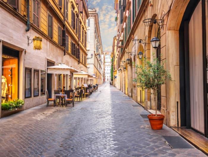apertura di un negozio a Roma